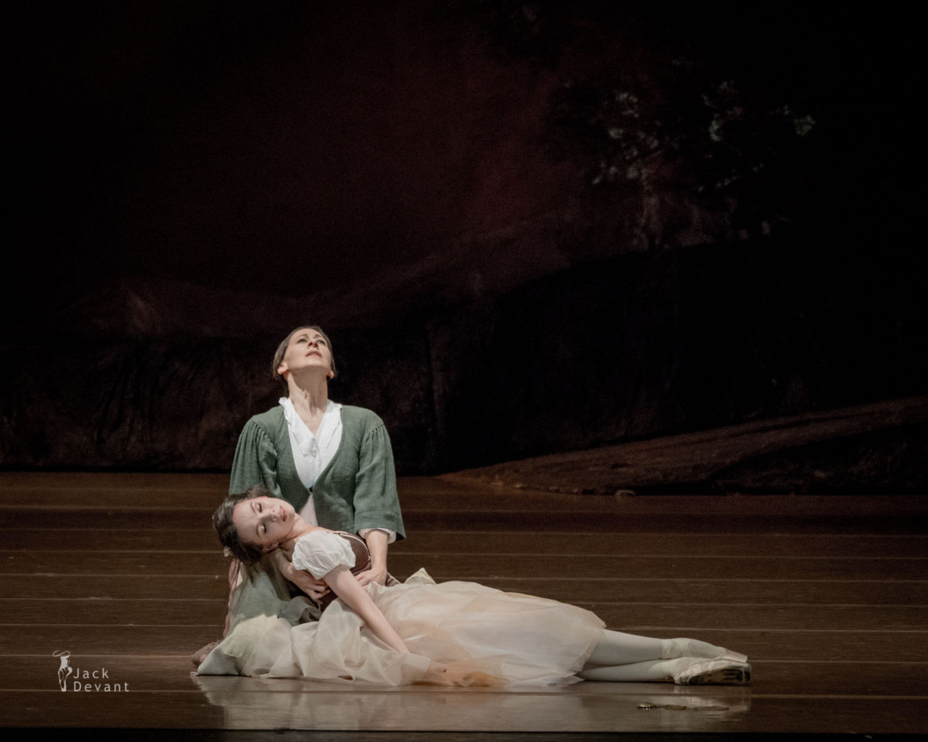 Maria Shirinkina and Berthe, Séverine Ferrolier in Giselle
