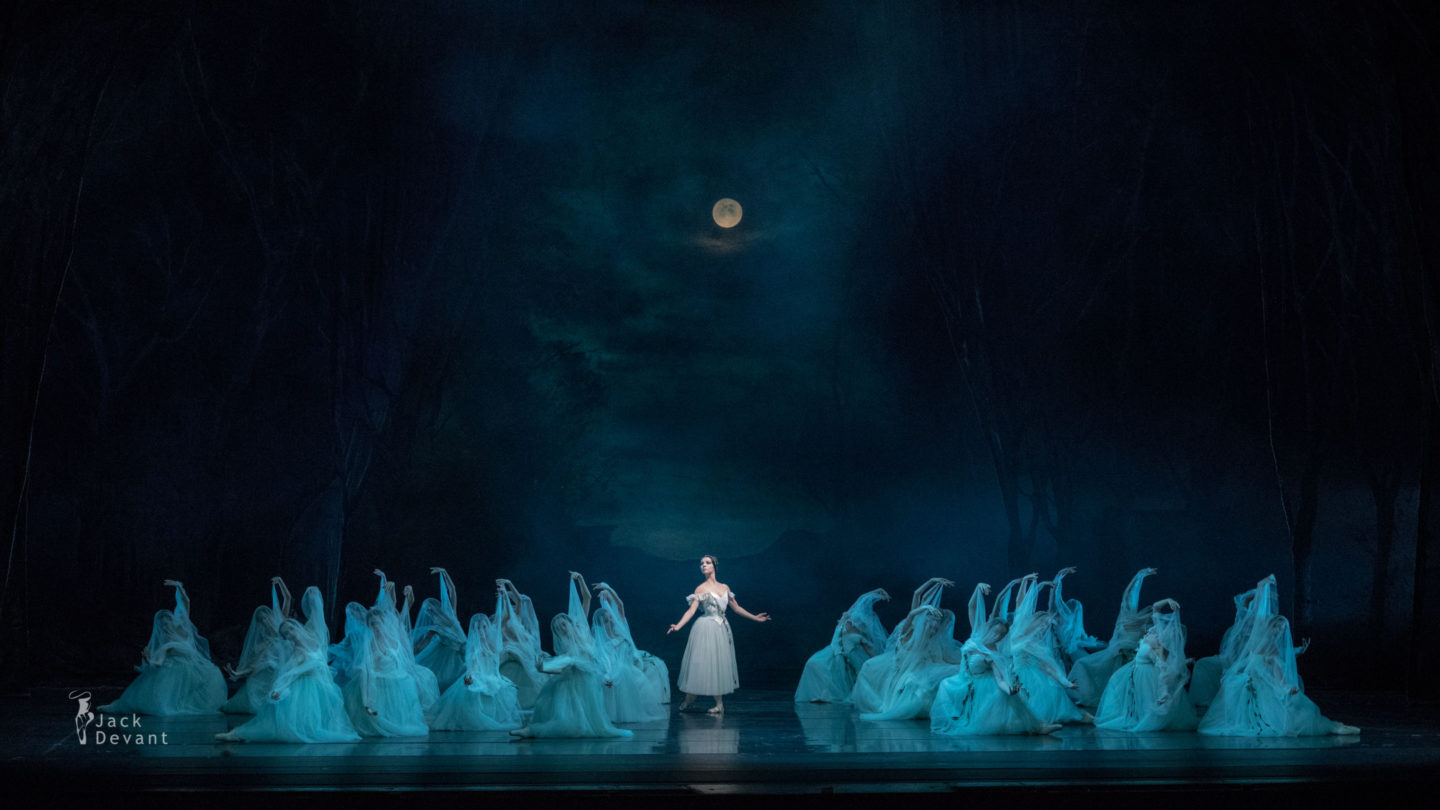 Myrtha Ivy Amista in Giselle