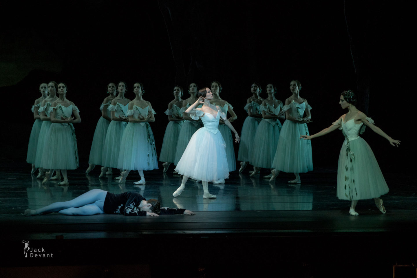 Maria Shirinkina and Vladimir Shklyarov Myrtha Ivy Amista in Giselle