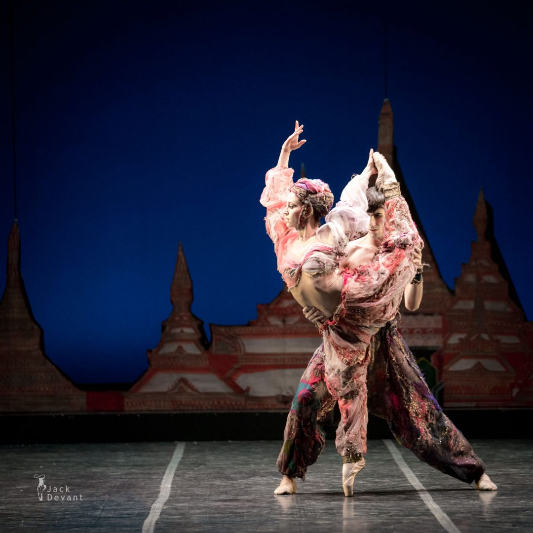 Andrea Caleffi and Marco Lo Presti in Danza Araba Lo Schiaccianoci (The Nutcracker)