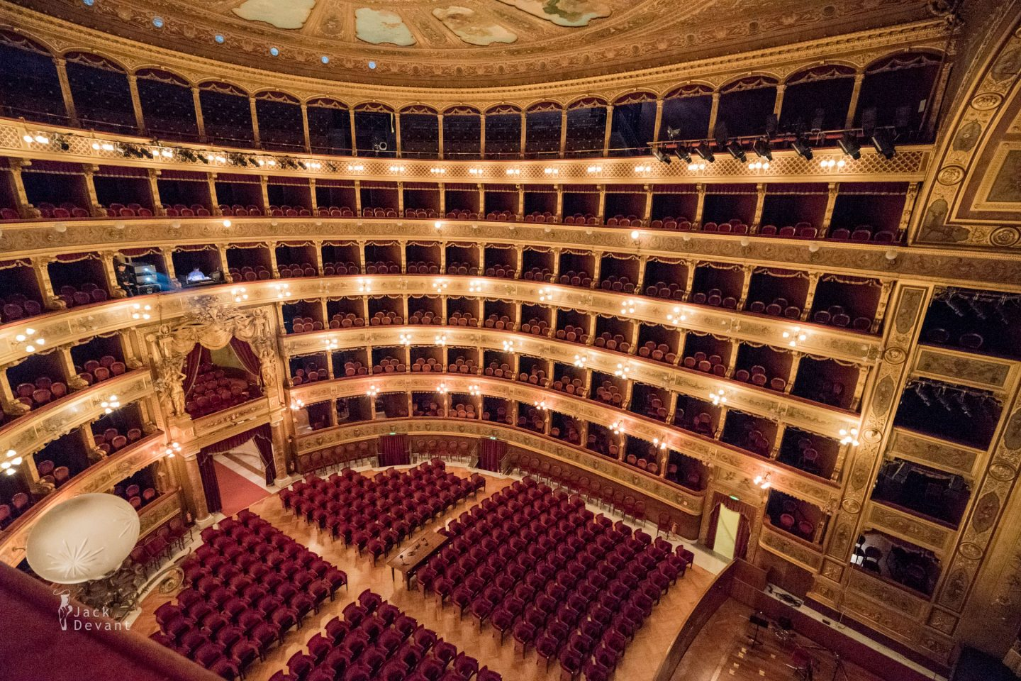 Teatro Massimo Palermo auditorium cealing paintings