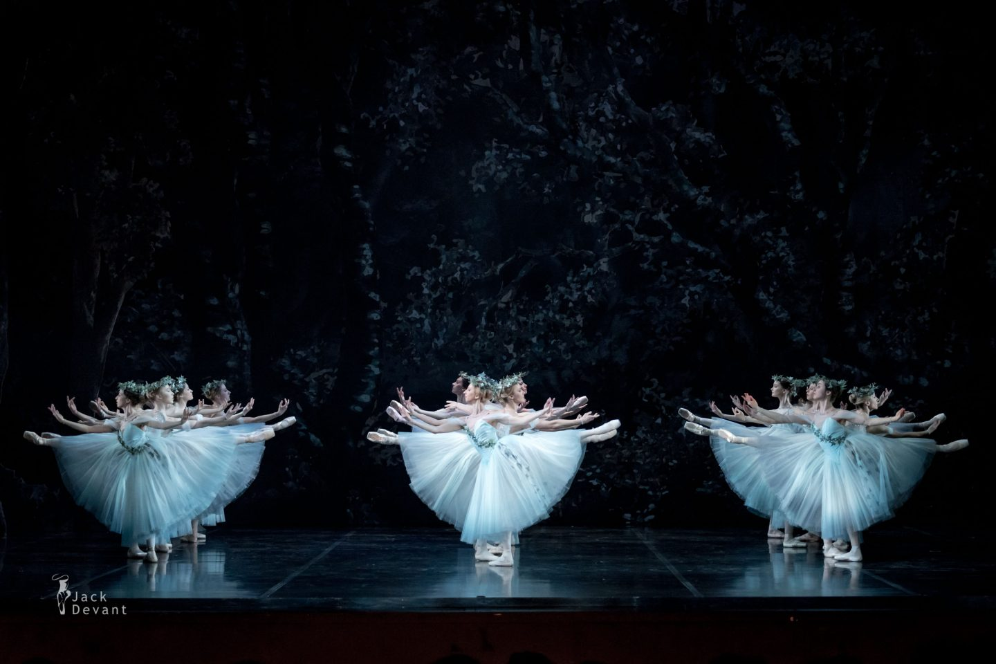 Estonian National Ballet corps in Giselle Act 2