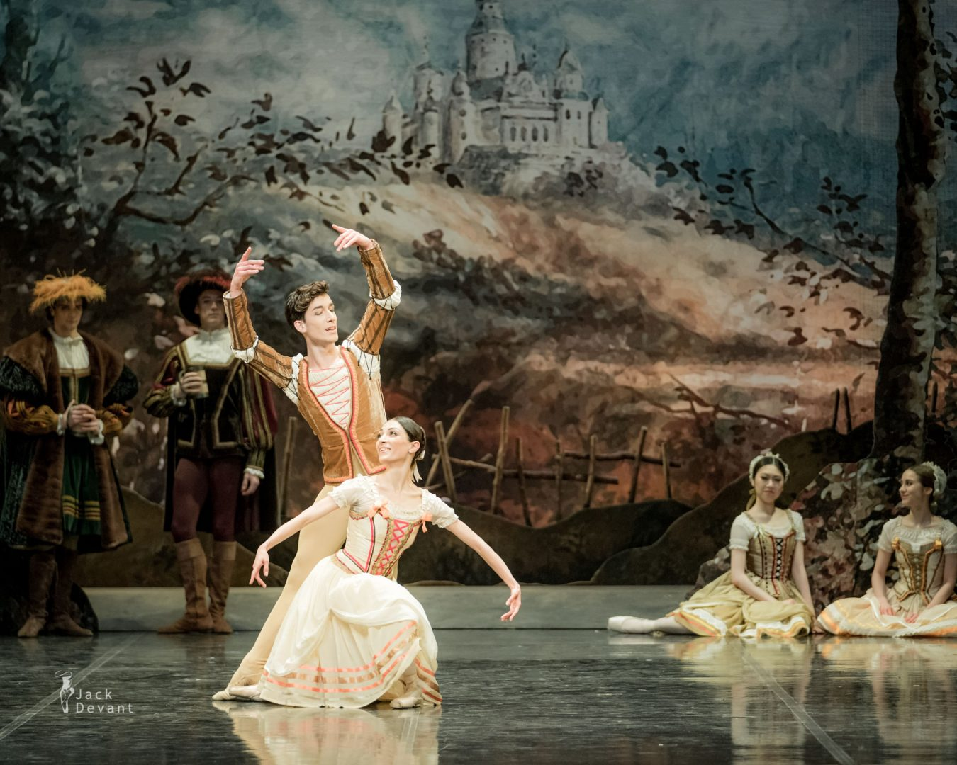 Giselle, Marta Navasardyan and Eneko Amoros in peasant pdd final pose