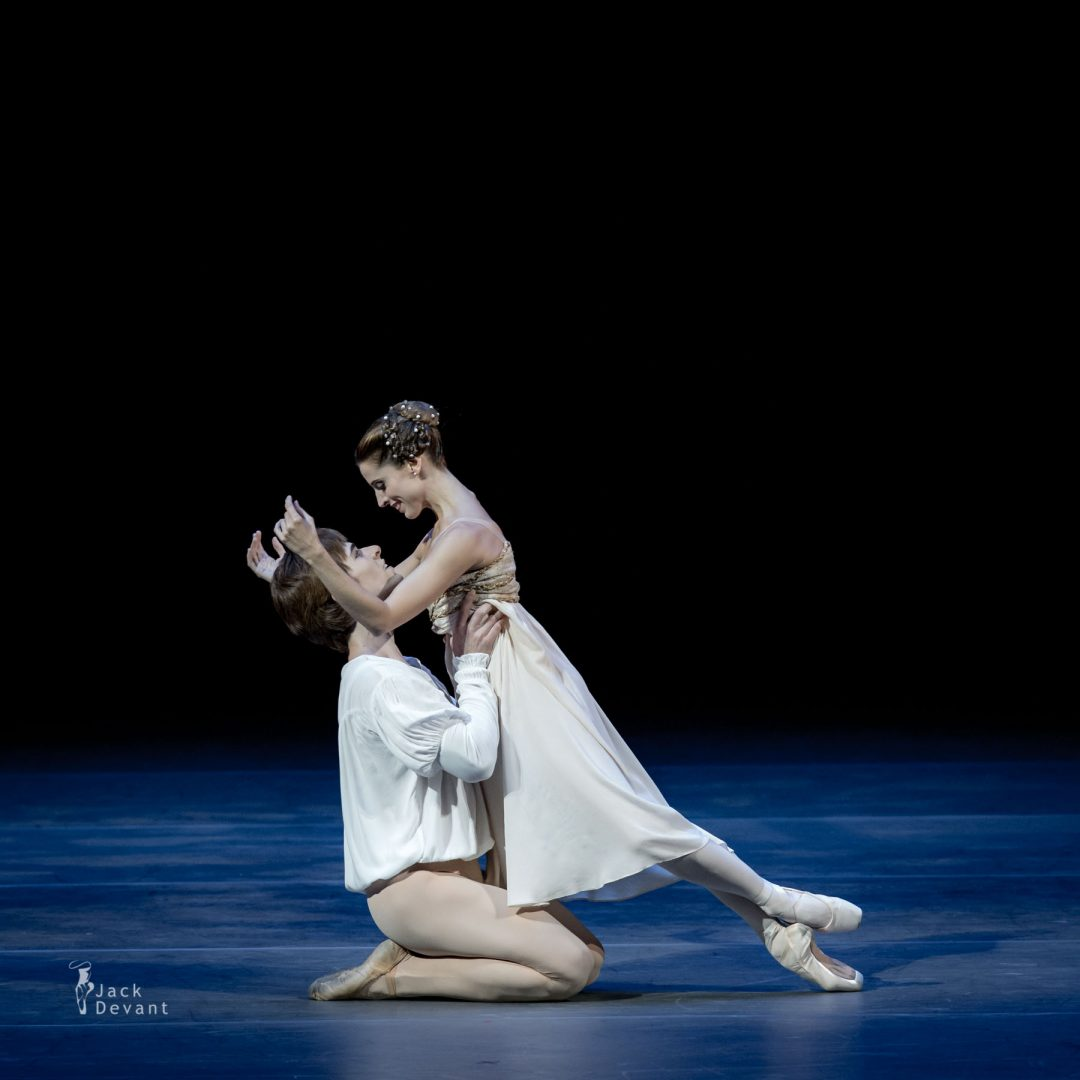 Maria Riccetto and Gustavo Carvalho (Uruguay National Ballet) in Romeo and Juliet