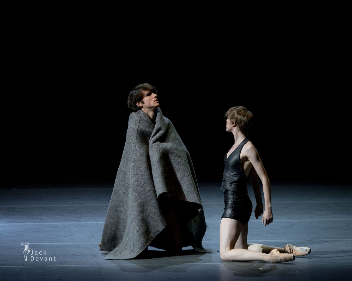 Elisa Badenes and David Moore in Salomé