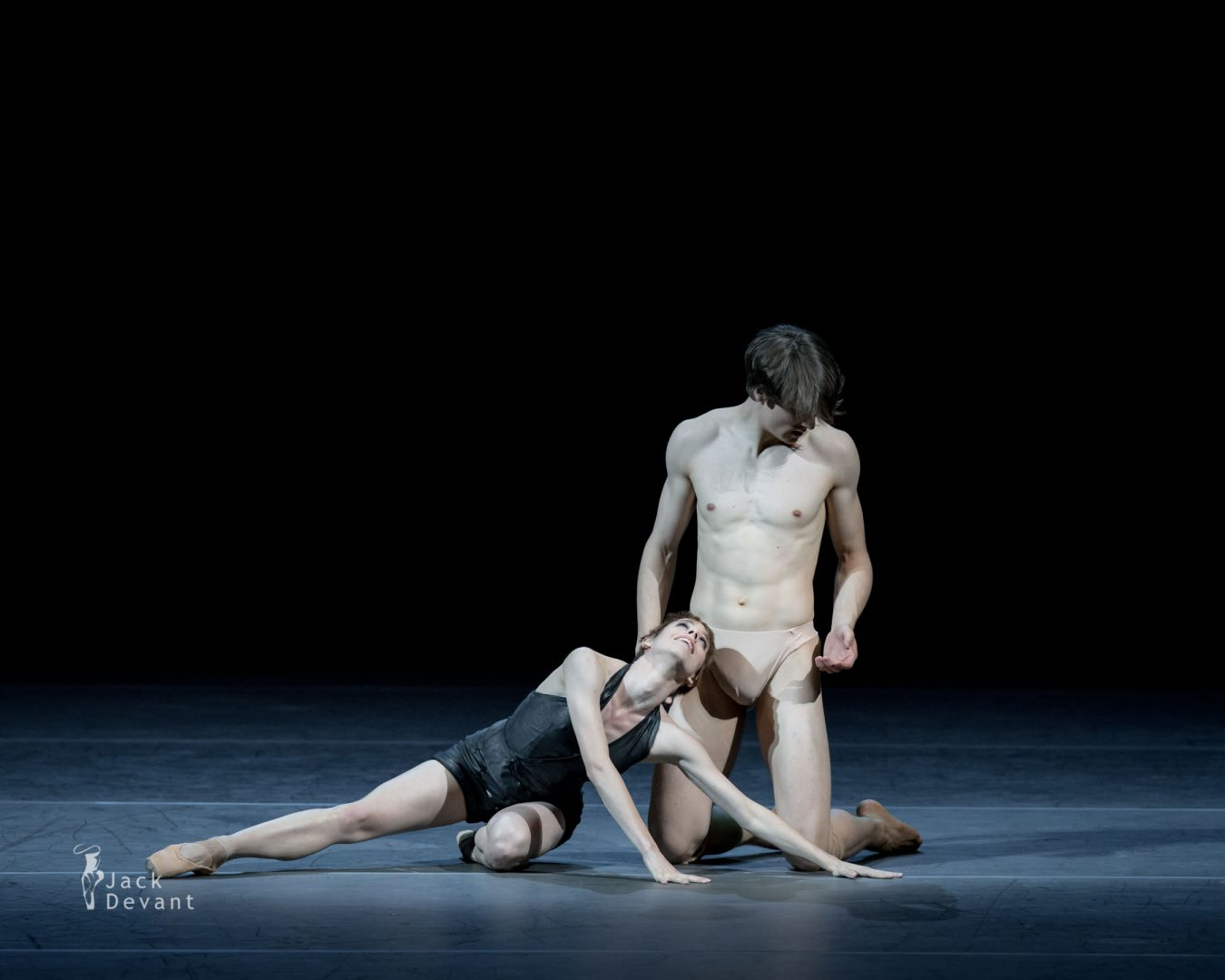Elisa Badenes and David Moore in Salomé 4