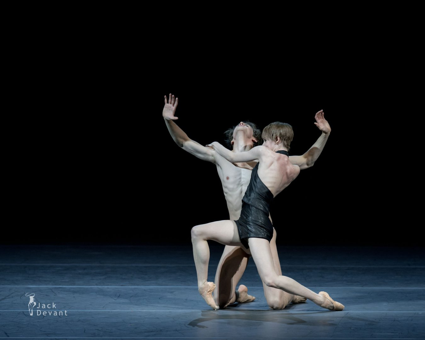 Elisa Badenes and David Moore in Salomé 5