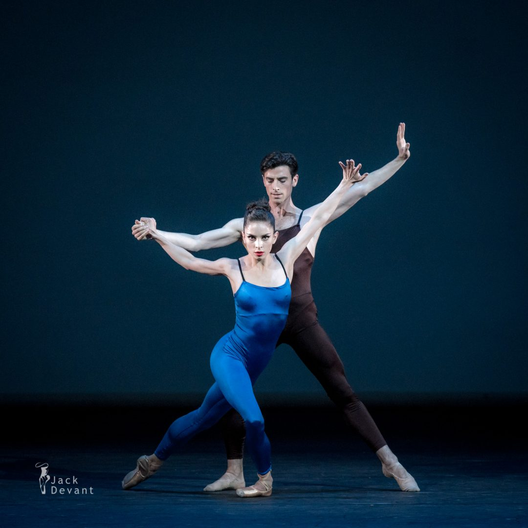 Dores Andre, Joseph Walsh (San Francisco Ballet) in Variations for Two Couples, music by Benjamin Britten, Einojuhani Rautavaara, Stevan Kovacs Tickmayer, Astor Piazzolla, choreography by Hans van Manen