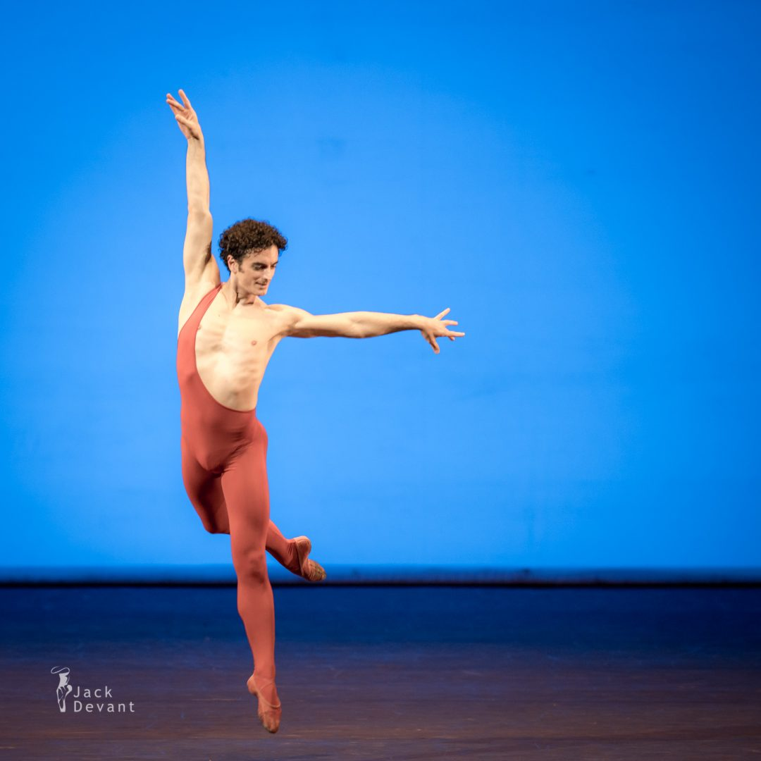Benois de la Danse 2017, Alessio Carbone (Paris Opera Ballet) in Arepo, music by Hugues Le Bars, choreography by Maurice Bejart