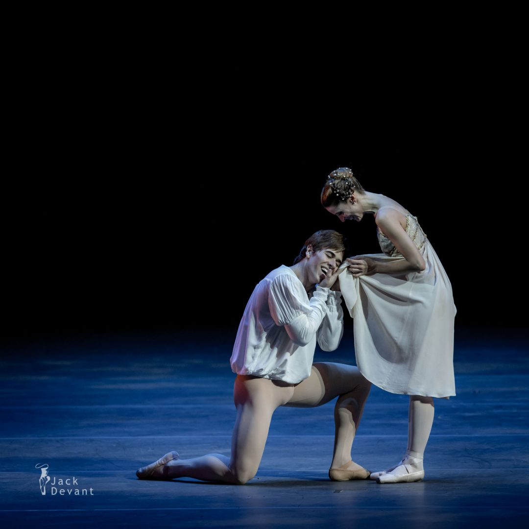 Maria Riccetto and Gustavo Carvalho in Romeo and Juliet