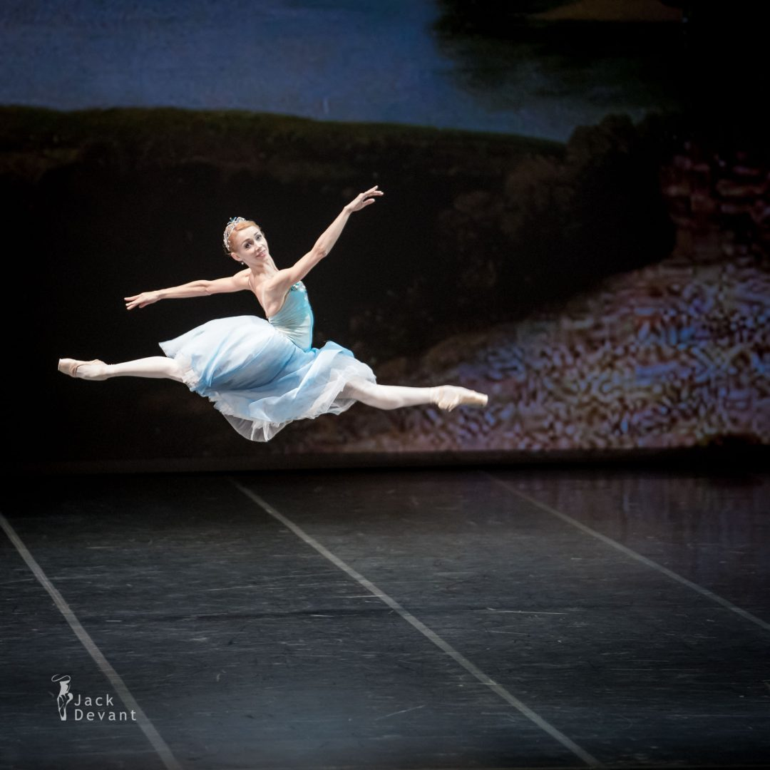 Iana Salenko in The Talisman grand jete 1