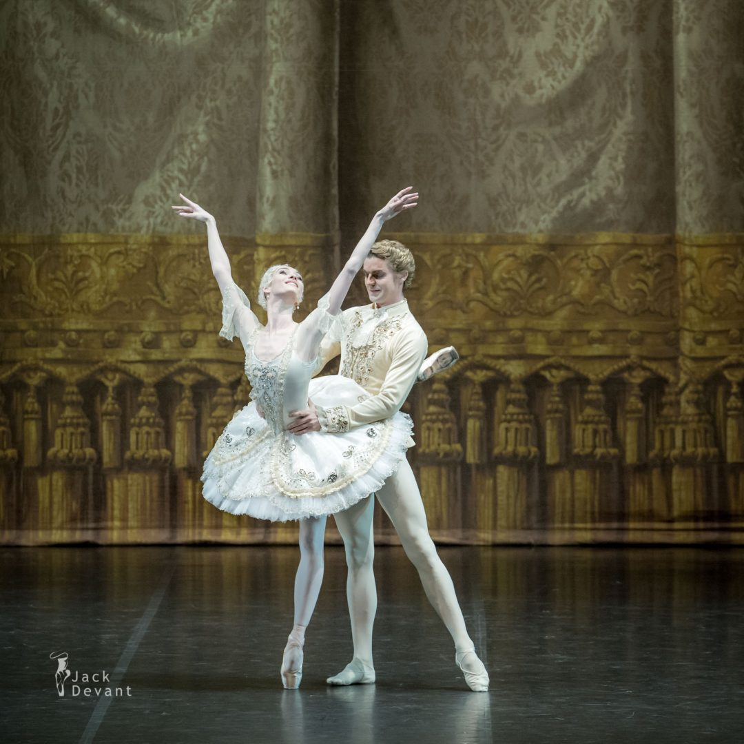 Olga Smirnova and Aleksandr Volchkov in The Sleeping Beauty