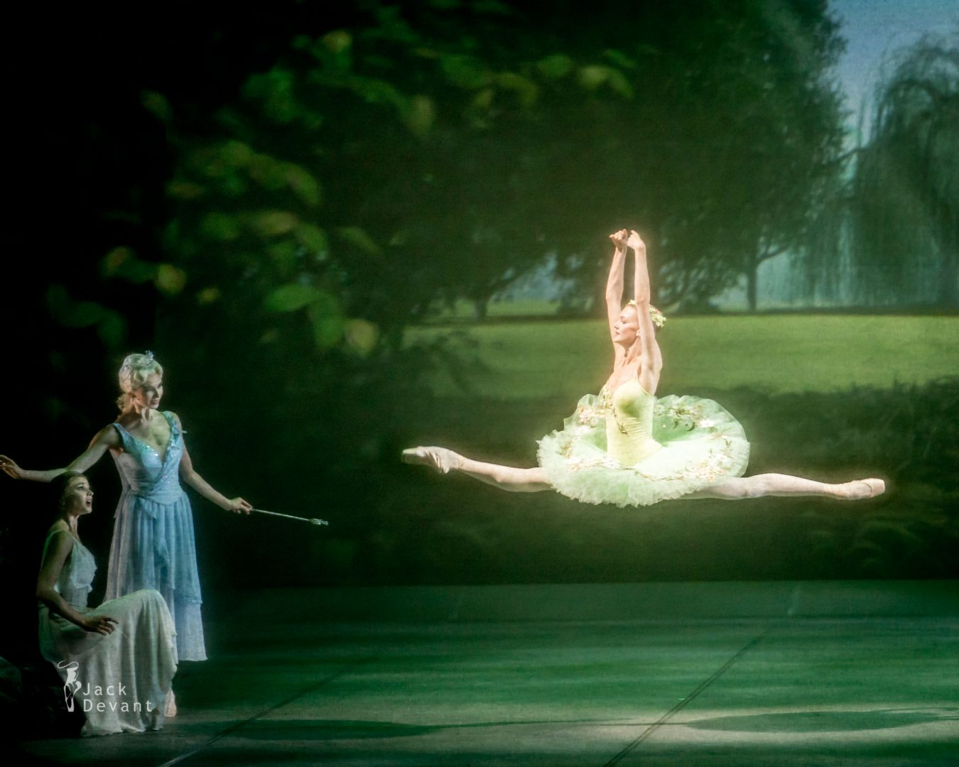 Svetlana Bednenko (Светлана Бедненко) as Fairy Andrea Laššáková as Summer Fairy