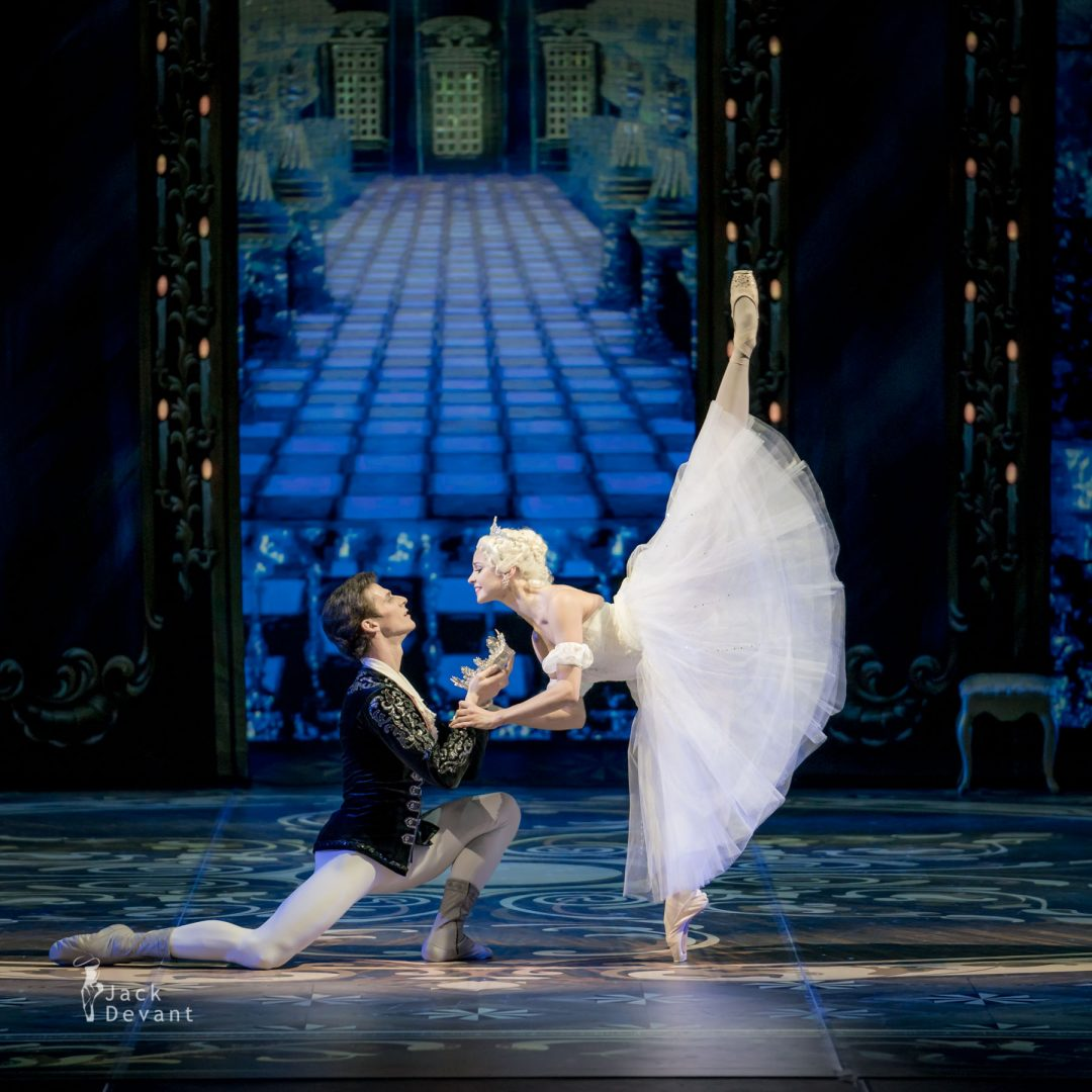 Angelina Vorontsova (Анжелина Воронцова) as Cinderella Ivan Zaytsev (Иван Зайцев) as Prince Mikhailovsky Theatre wow!
