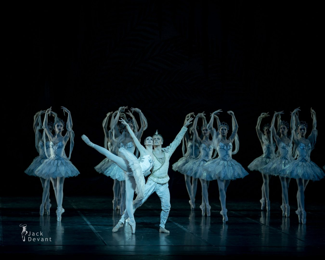The Kingdom of the Shades Laurretta Summerscales as Nikiya, Sergei Polunin as Solor corps de ballet