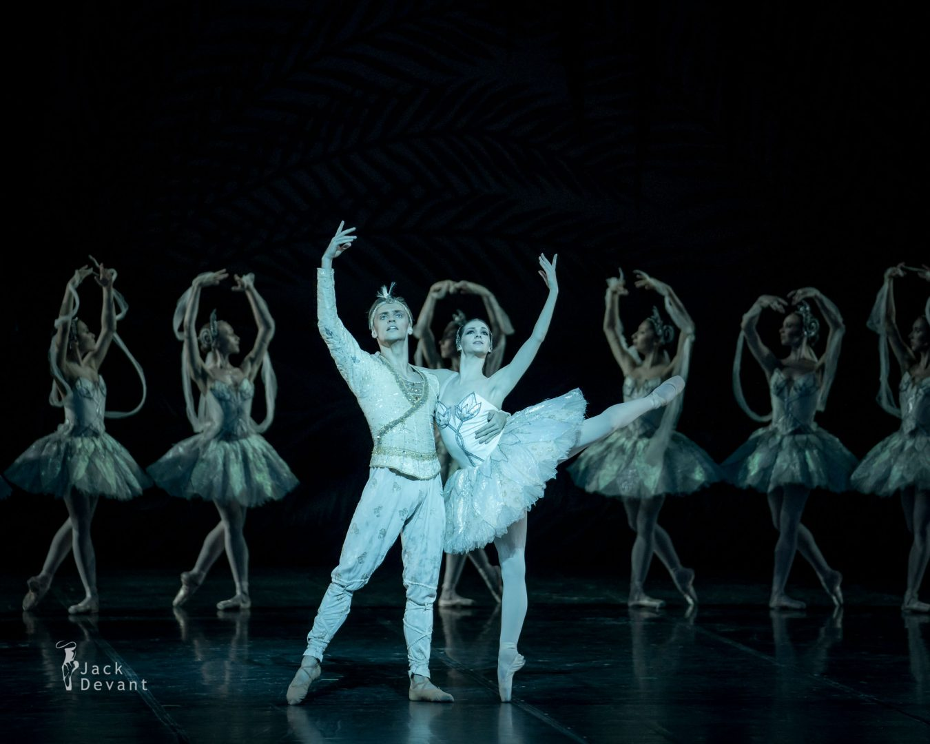 The Kingdom of the Shades Laurretta Summerscales as Nikiya, Sergei Polunin as Solor corps 3