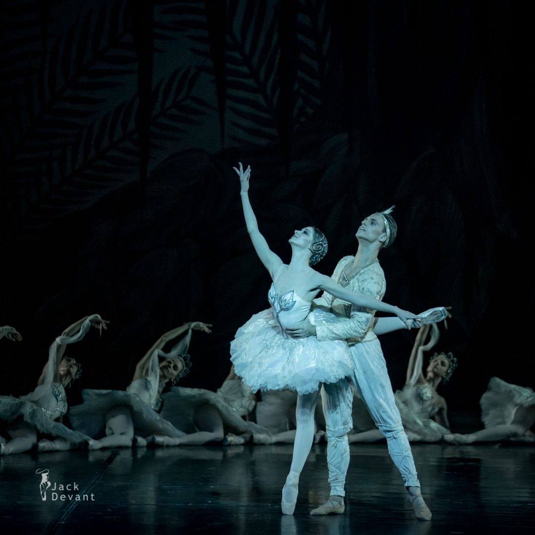 The Kingdom of the Shades Laurretta Summerscales as Nikiya, Sergei Polunin as Solor 4