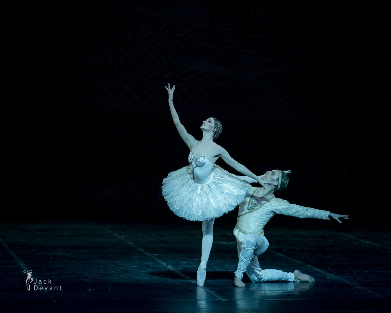 The Kingdom of the Shades Laurretta Summerscales as Nikiya, Sergei Polunin as Solor 5