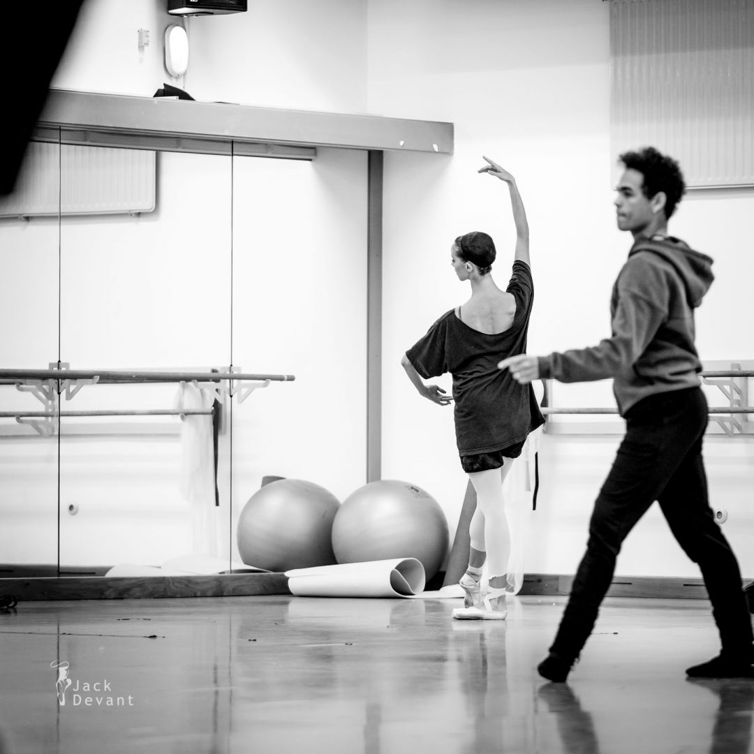 Blanka Páldi - candid shot from the warm-up before La Bayadere