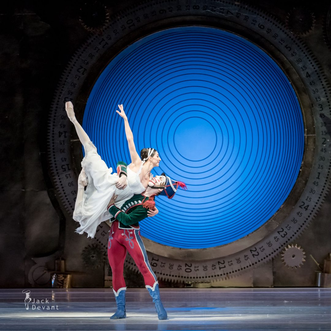 Chinara Alizade as Masha and Pavel Koncewoj as the Nutcracker 1