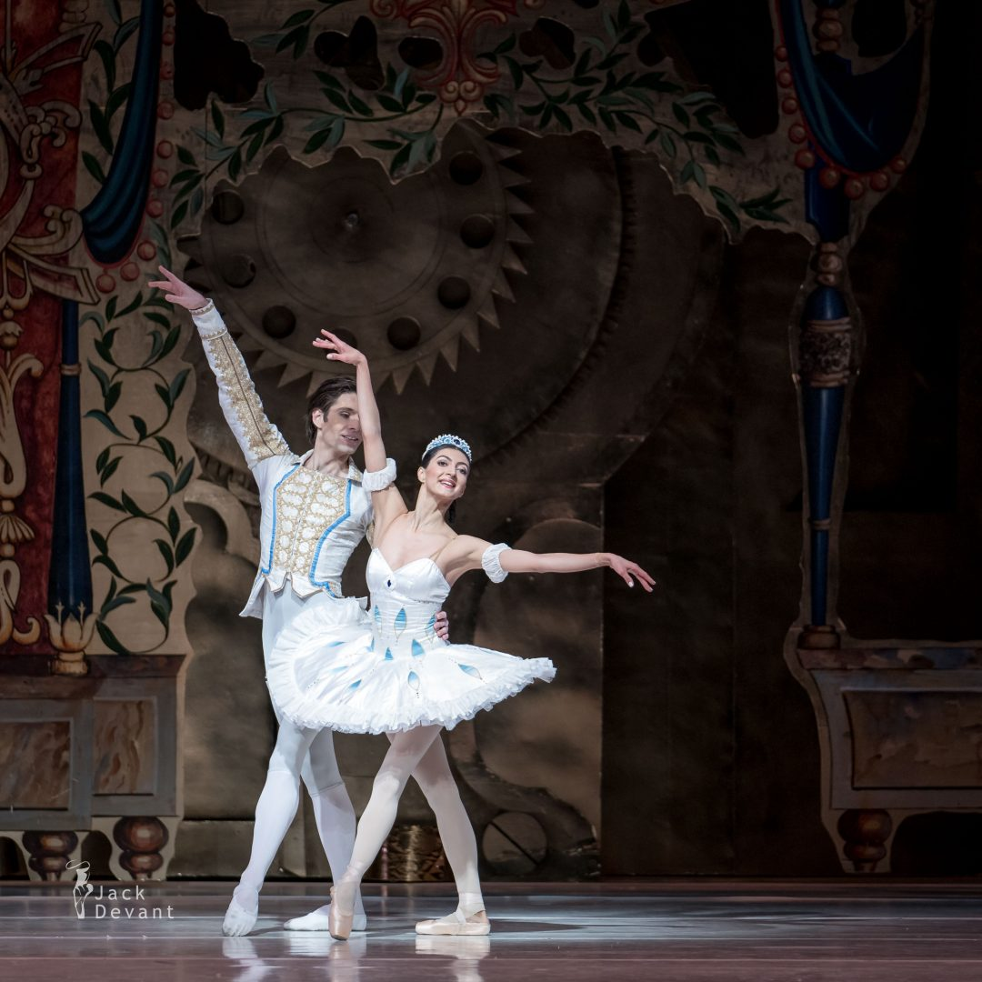 Chinara Alizade and Vladimir Yaroshenko in The Nutcracker PDD 99