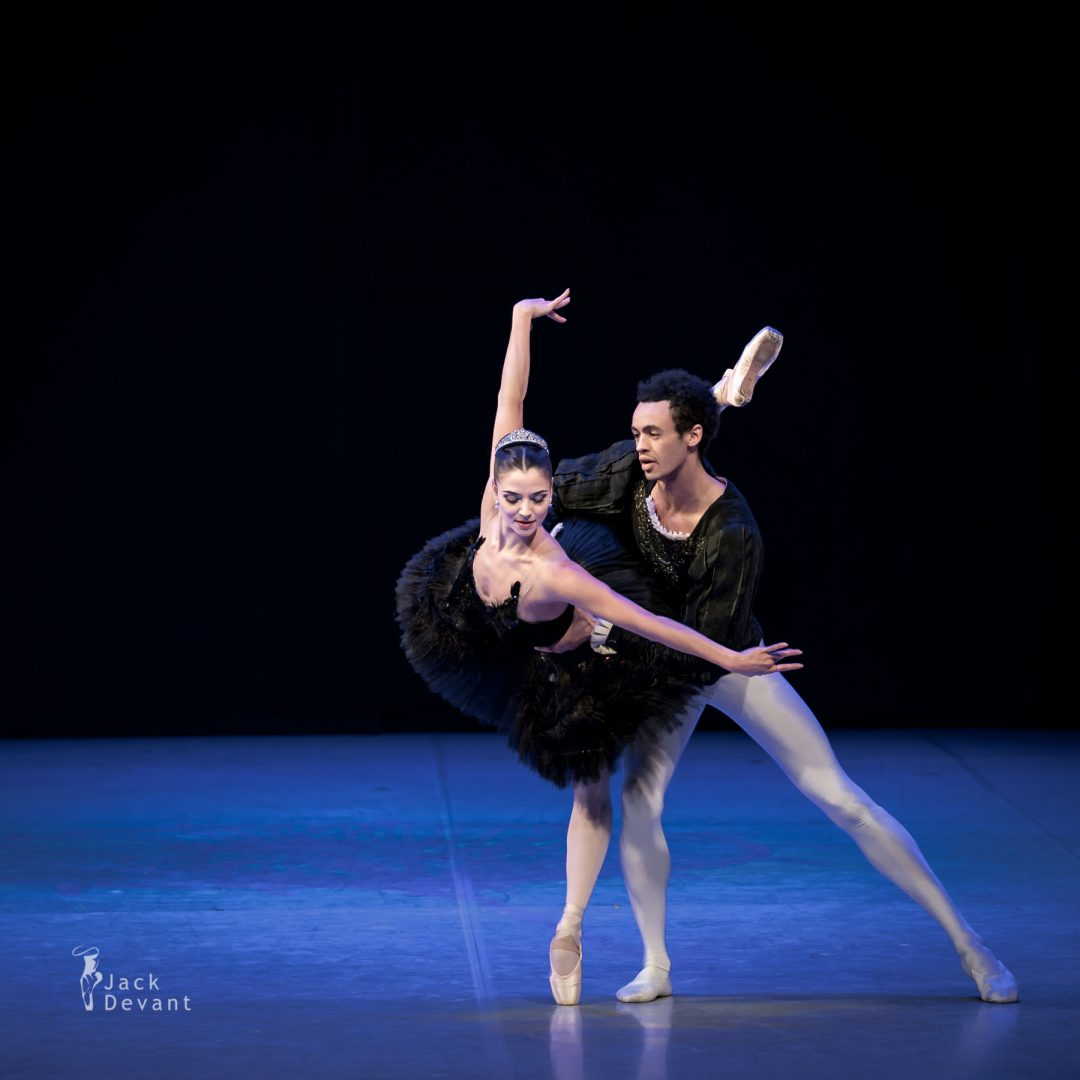 Maria Engel and Alexander Drew in Swan Lake PDD