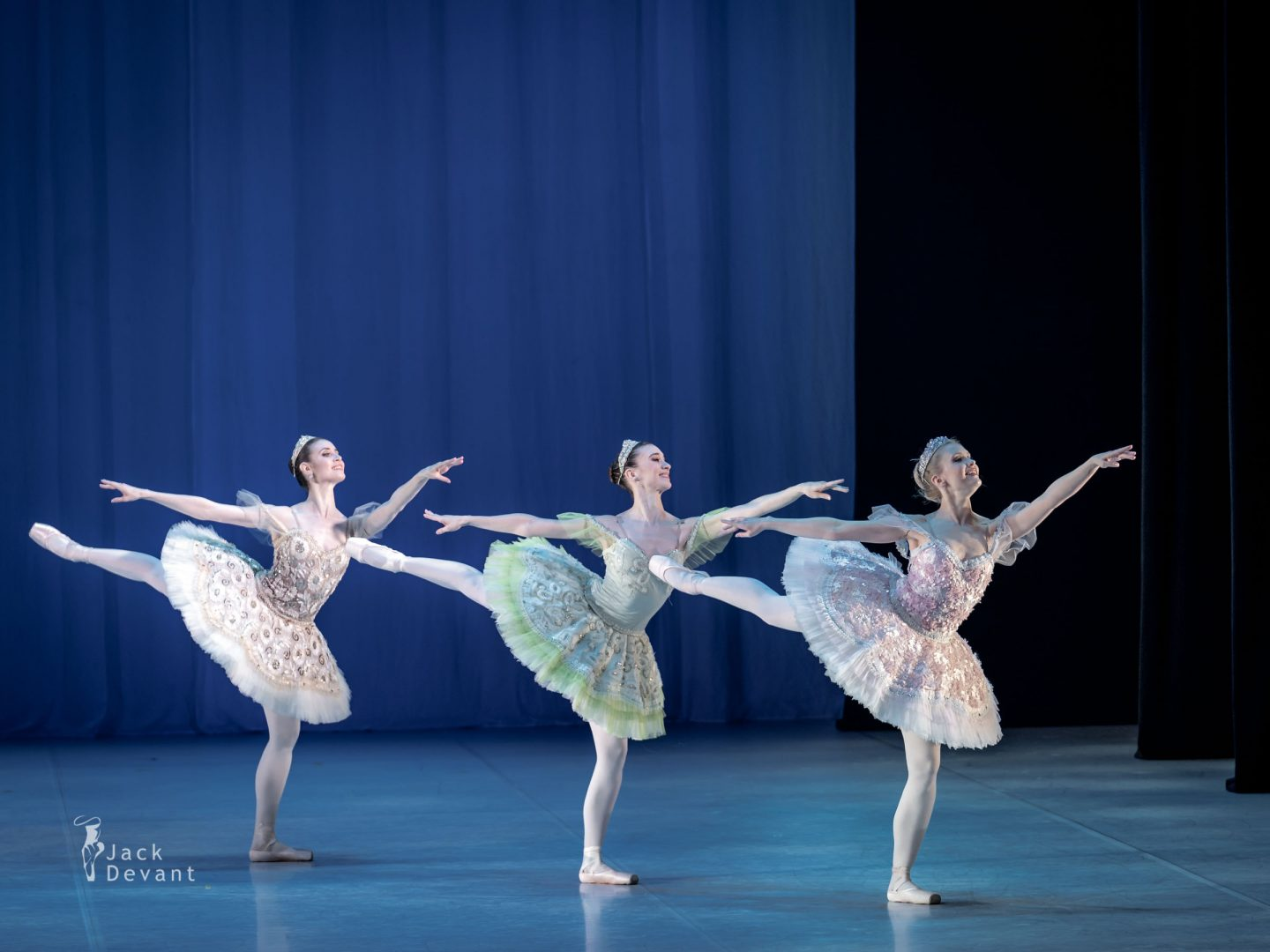 Alexandra Foyen, Laura Quin and Amy Bowring in the pas de cinq 1
