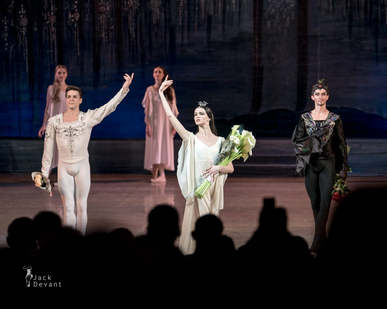 Anastasiya Shevchenko (Ukr ШЕВЧЕНКО Анастасія) as Odile-Odette Denys Nedak final bow