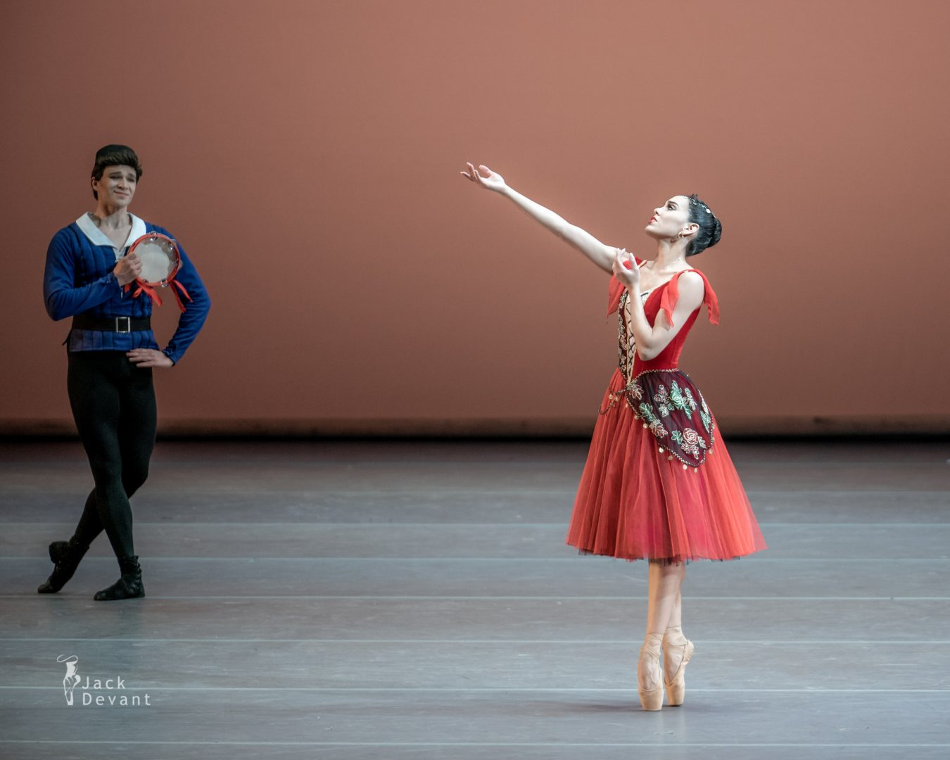 Amanda Gomes and Mikhail Timaev in Pas de six from Esmeralda 3