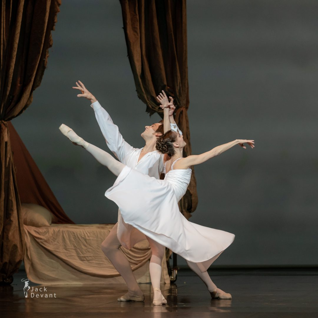 Friedemann Vogel and Maria Eichwald in the bedroom scene from the ballet Manon