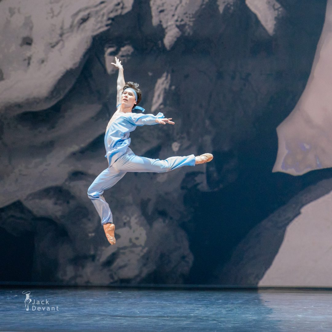 Erkin Rakhmatullaev in pas de deux from The Talisman 23