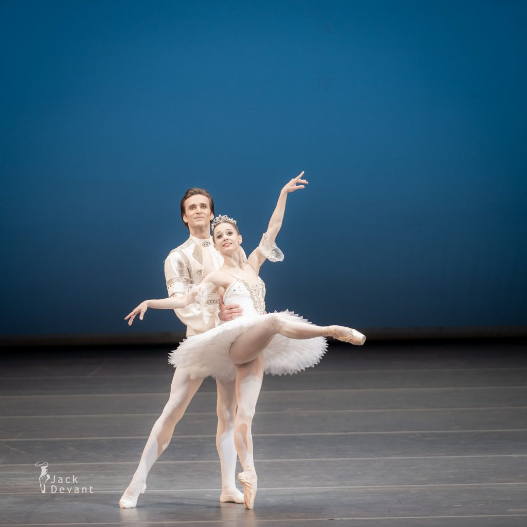 Maria Kochetkova and Ruslan Skvortsov in Pas de deux from The Sleeping Beauty