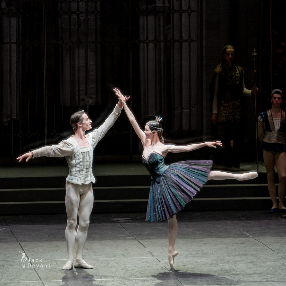Viktorina Kapitonova Odile and Alexander Jones in Swan Lake act 3 3