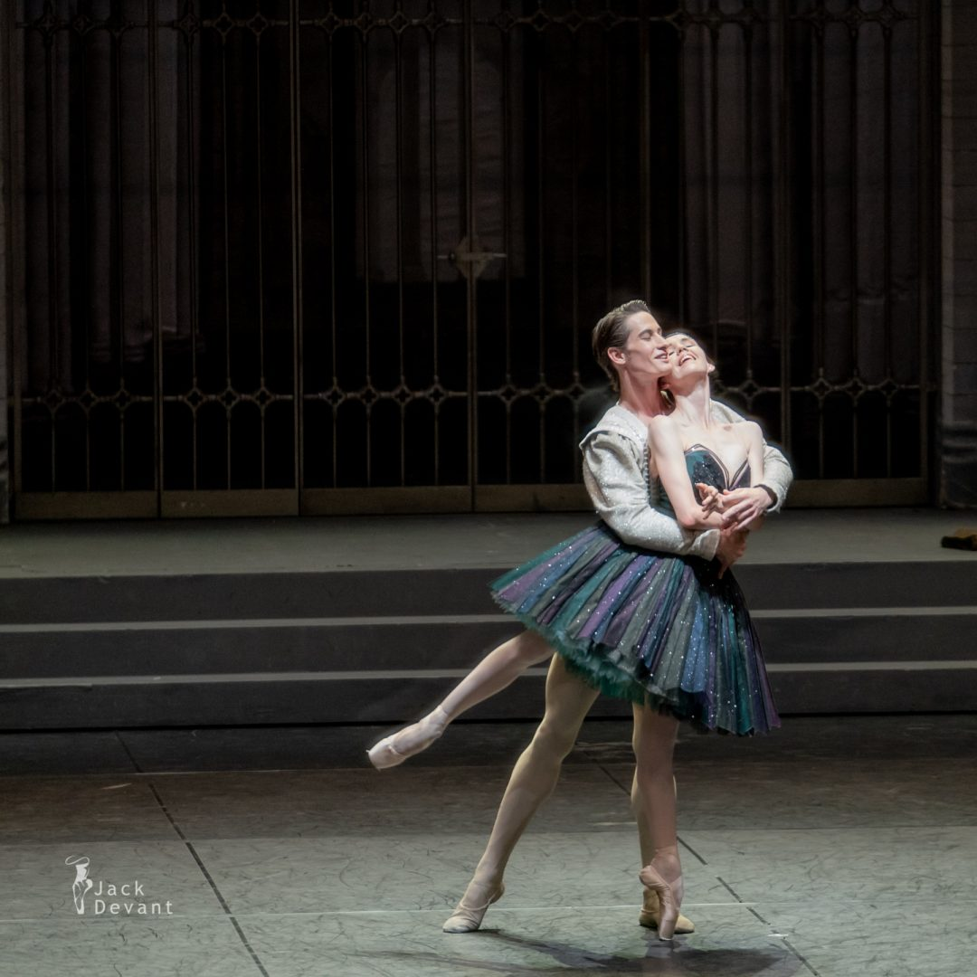 Viktorina Kapitonova and Alexander Jones in Swan Lake act 3 4