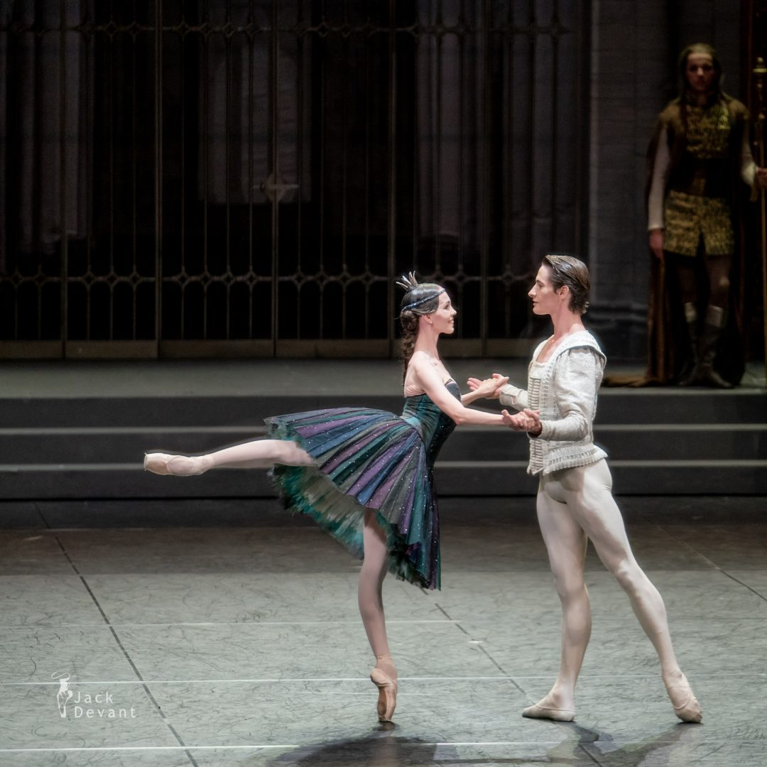 Viktorina Kapitonova and Alexander Jones in Swan Lake act 3 6
