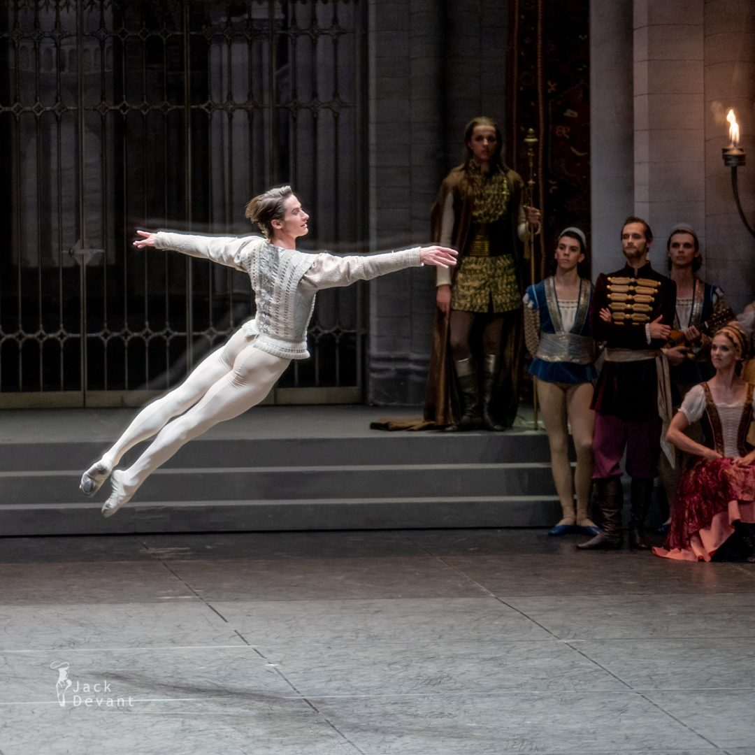 Alexander Jones in Swan Lake pdd variation 2