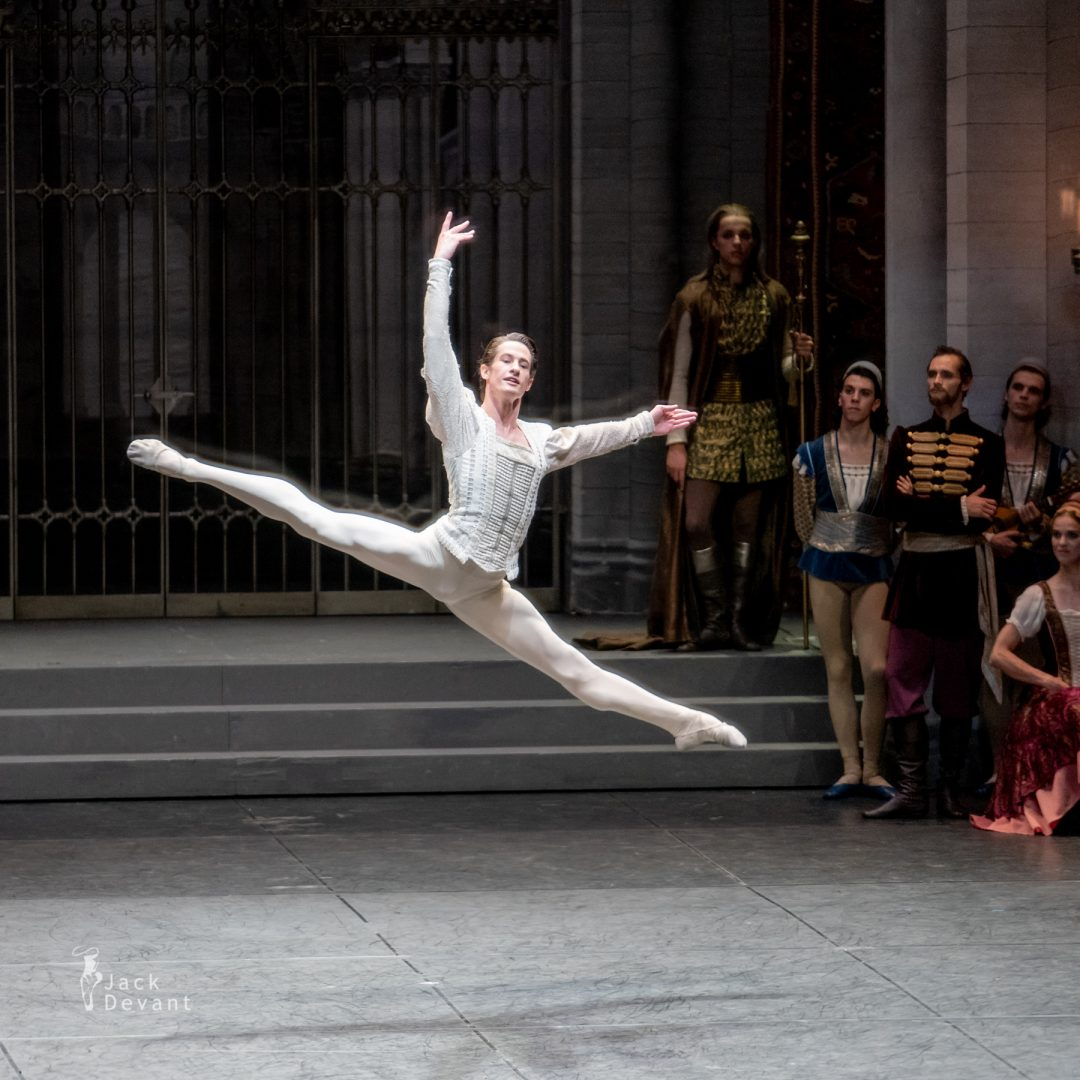 Alexander Jones in Swan Lake pdd variation 3