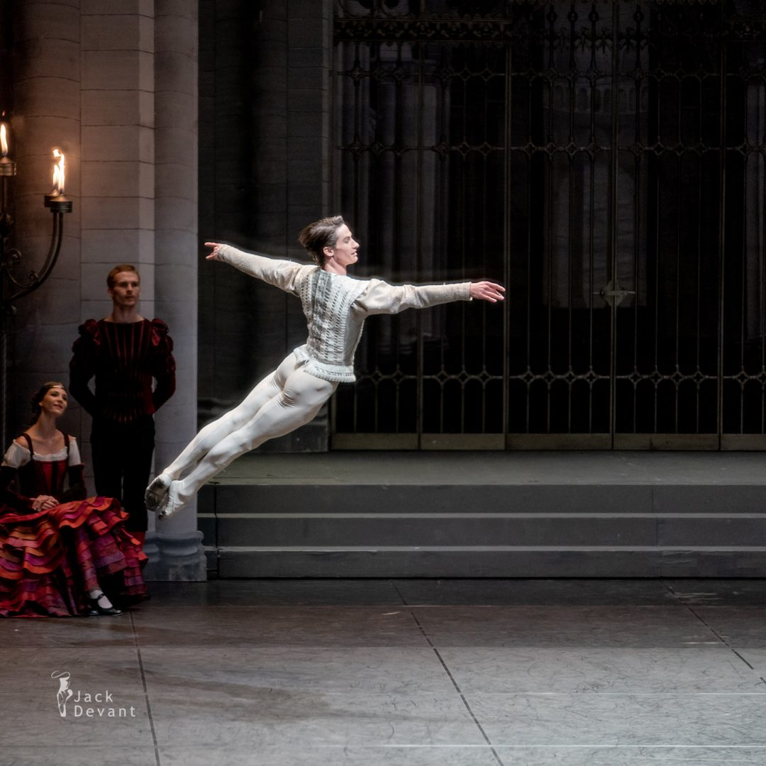 Alexander Jones in Swan Lake pdd variation 4
