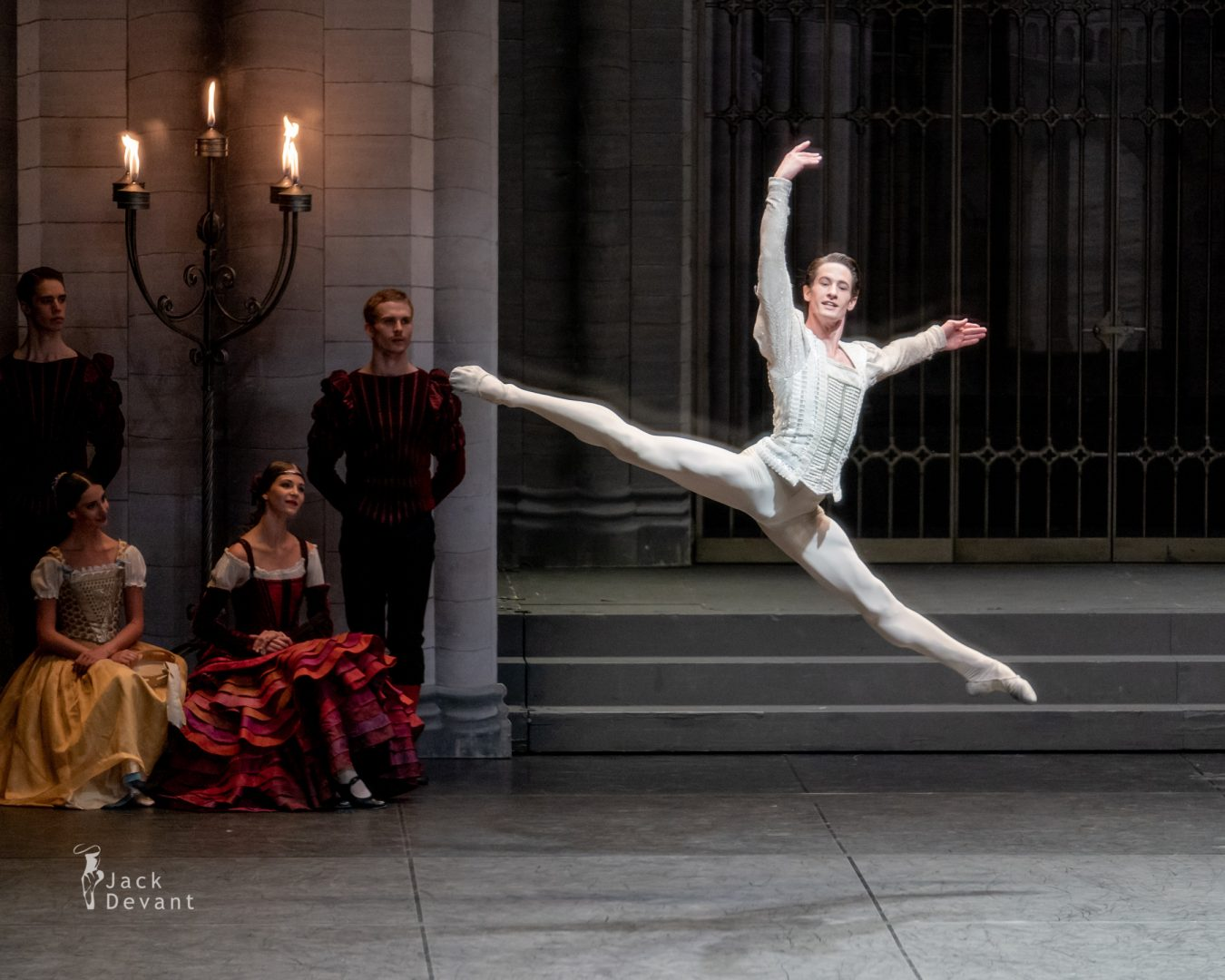 Alexander Jones in Swan Lake pdd variation 5