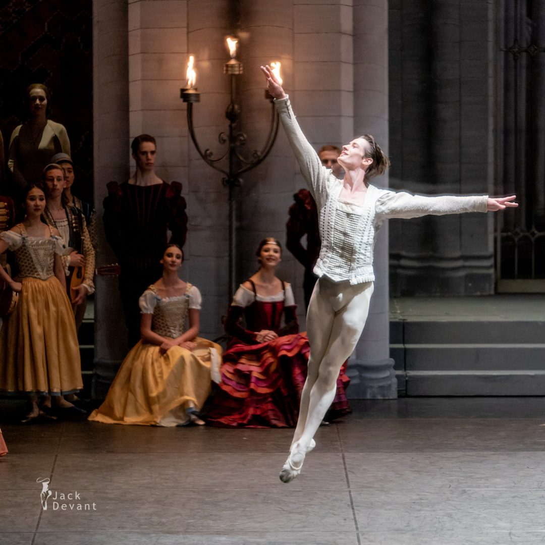 Alexander Jones in Swan Lake pdd variation 7