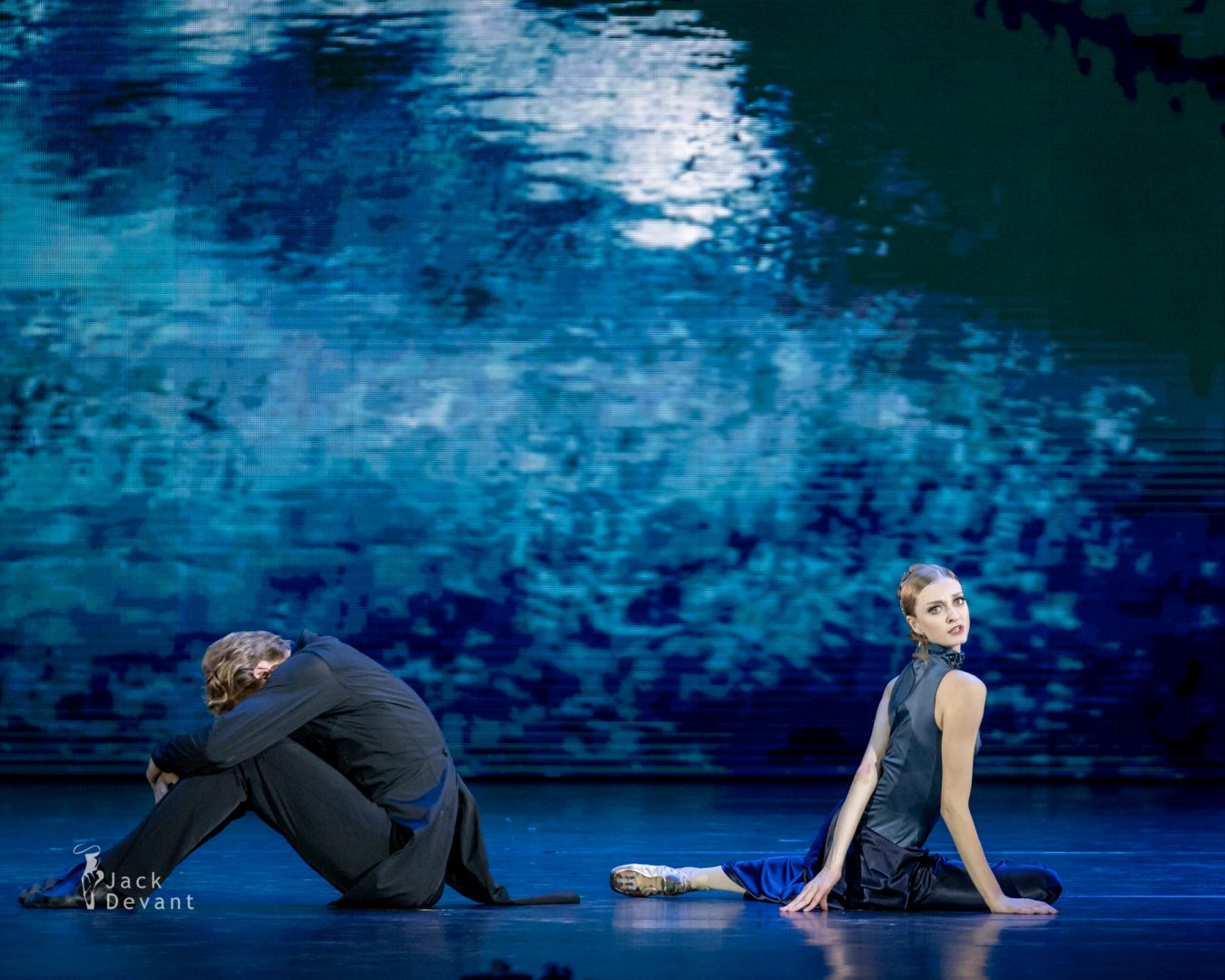 Daria Reznik and Igor Subbotin in Adagio from Anna Karenina