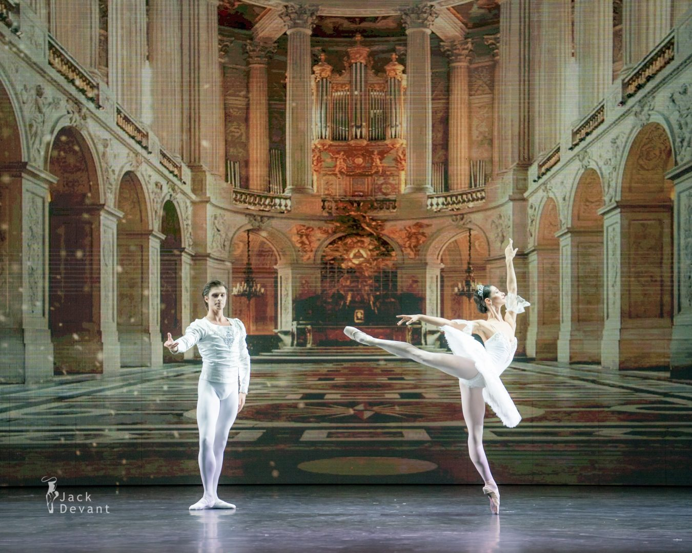 Oxana Kardash and Artem Ovcharenko in Grand Pas Classique 4