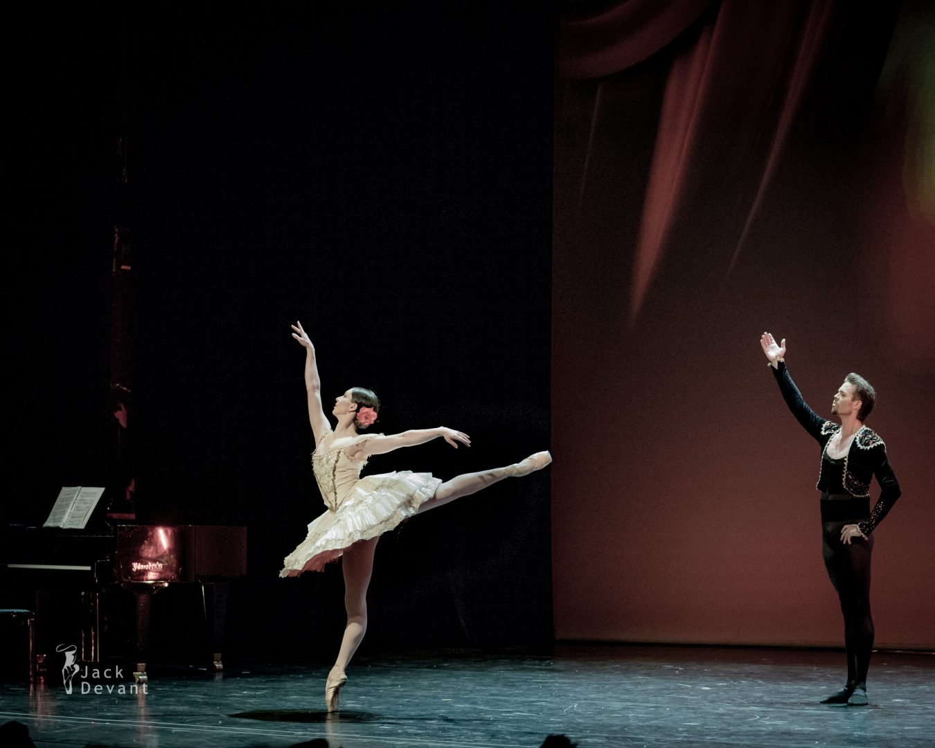 Ksenia Ryzhkova and Matthew Golding in Don Quixote Pas de deux