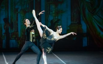 Misa Kuranaga and Jeffrey Cirio in Swan Lake
