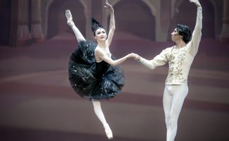 Aigerim Beketyaeva and Olzhas Tarlanov in Pas de Deux from Swan Lake