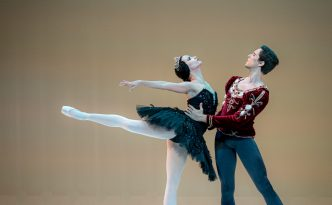 Grettel Morejon and Dani Hernandez in Swan Lake pdd