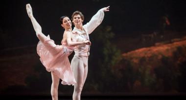 Viktoria Tereshkina and Vladimir Shklyarov in Tchaikovsky Pas de Deux