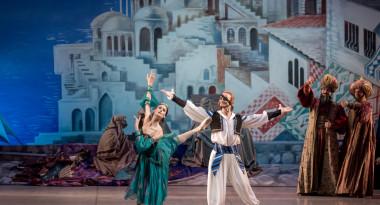 Anastasia Soboleva as Gulnara in Le Corsaire