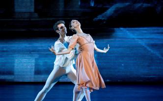 Dorothèe Gilbert and Josua Hoffalt in Romeo and Juliet
