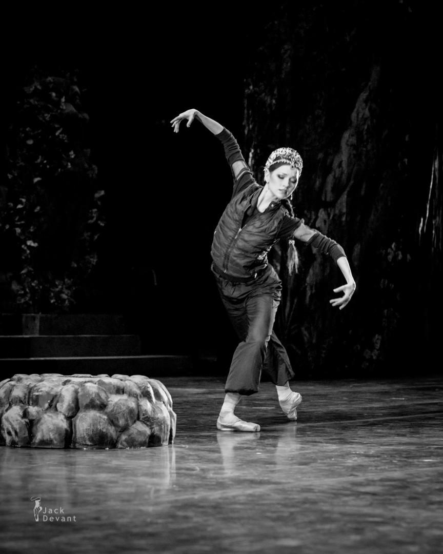 Natalia Somova rehearsing for La Bayadere
